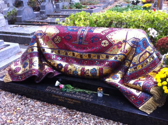 Nureyev's tomb with mosaic 'oriental carpet'.